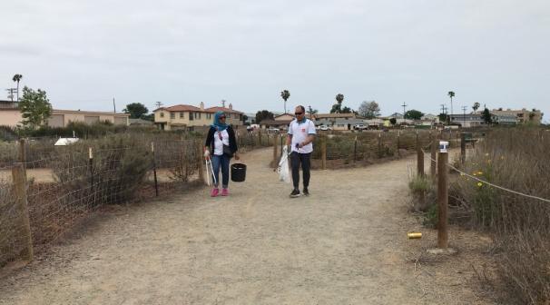 Akmal Sabarudin (Malaysia) and Midha Volunteering in San Diego.jpg